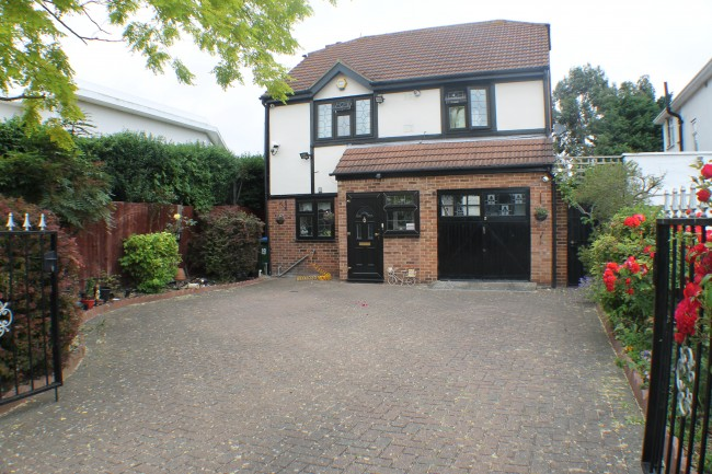 View Full Details for Eltham Palace Road, Eltham - EAID:0443ec770e62b2b0fbb395e1826a939f, BID:1