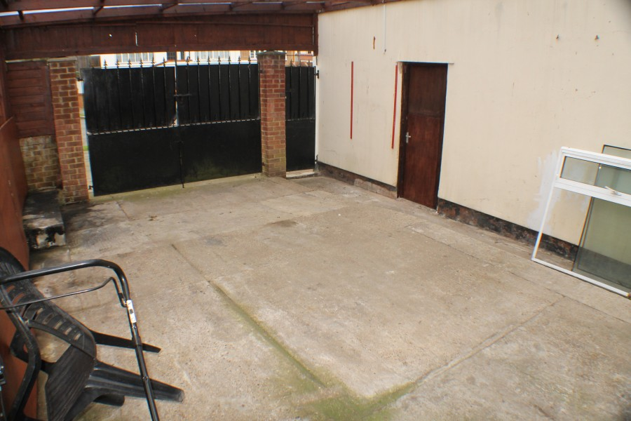 Images for Brownspring Drive, New Eltham EAID:0443ec770e62b2b0fbb395e1826a939f BID:1